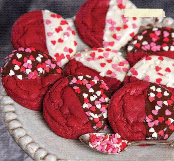 Photo of Домашнє печиво – в подарунок на 14 лютого своїми руками. Подарунок своїми руками на День святого Валентина: домашнє печиво.