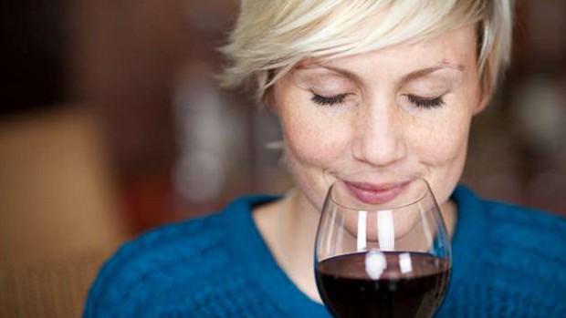 Photo of Вчені розповіли, як червоне вино може запобігти рак