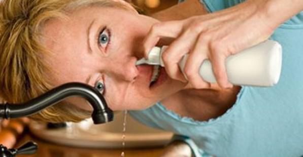 Зачем промывать нос соленой водой